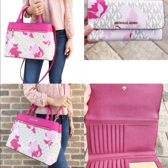 6d3982668764 Michael Kors Bags | Hailee Medium Satchel Wallet Set Pink | Poshmark
